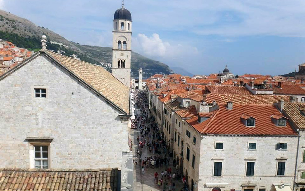 Main street Stradun in Dubrovnik bird view