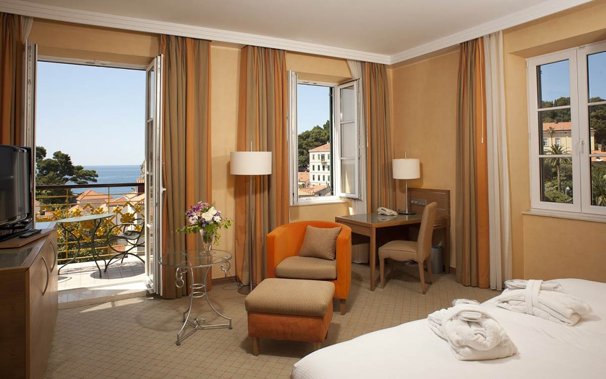 Hotel-Hilton-Imperial-Dubrovnik-Room-Double-2