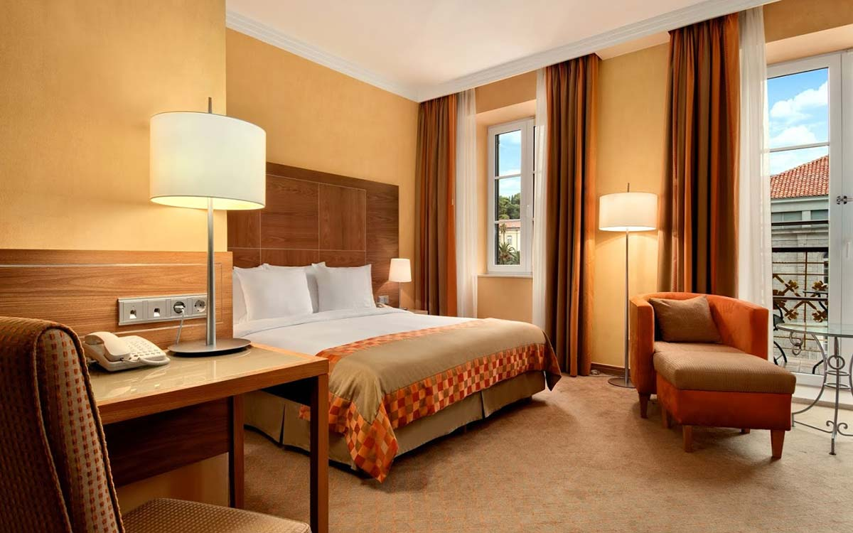 Hotel-Hilton-Imperial-Dubrovnik-Room-King-Executive