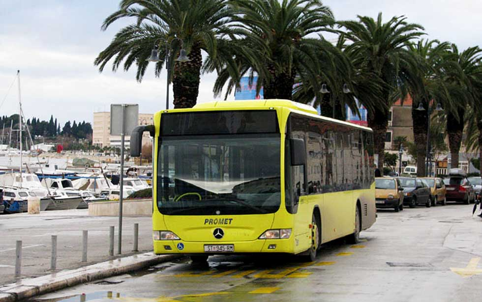 Split bus station