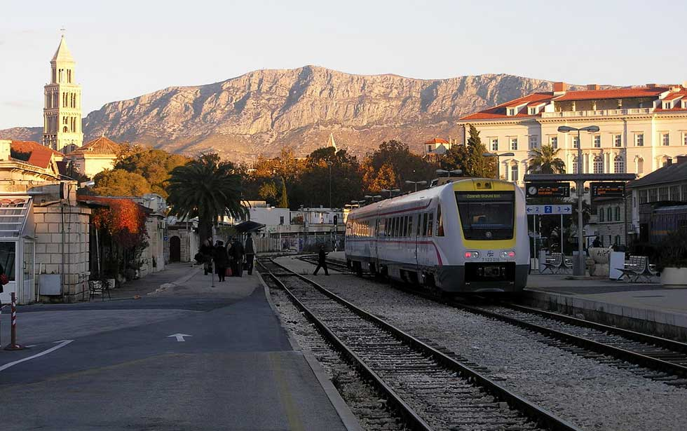 Split train station